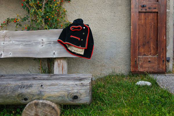 Day breaks and a jacket on the seat outside the chalet announces the Desalpe of 2014.